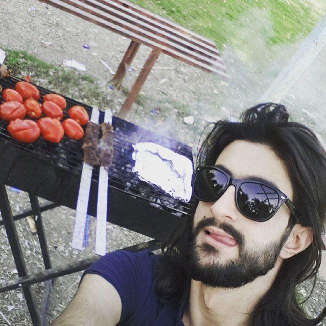 مشاوي ^^ ♡ يعني مكانكم خالي والله انبسطنا ^^ ...♧♣♣ Happy Guy Sun fun crazy selfie selfies selfienation male hair wow cha cha cha cha