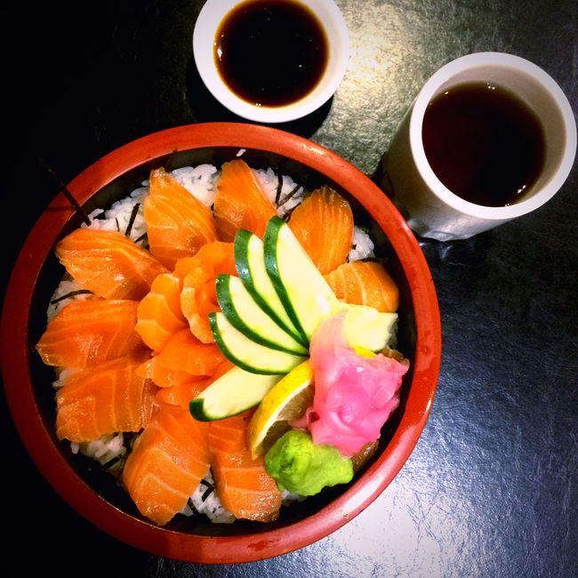 I just can't get enough of Salmon Sashimi Shake Sashimi Sashimi Bowl Japanese Food Sashimi Dinner Sashimiricebowl . Sashimilovers Sashimiday Food No People Foodphotography Food Photogrphy Food Photography Asian Food Freshness Raw Fish Raw Salmon Japanesefood Sashimi Rice Bowl