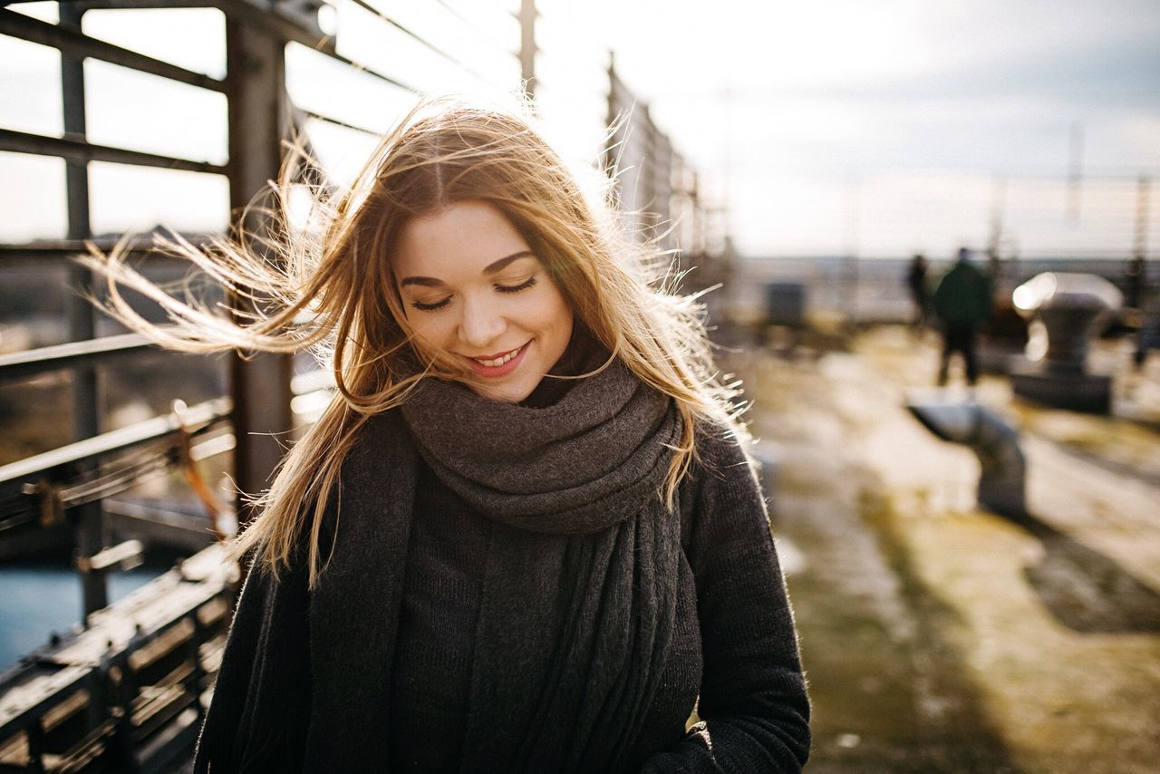 - Olivia - Only Women Smiling Long Hair One Woman Only Portrait Sunlight One Young Woman Only One Person Adults OnlyyAdulttHappinesssYoung WomennPeopleeOutdoorssDayyCheerfullBeautiful WomannClose-upp Young Adult Windy Stormy Rooftop Portrait Of A Woman Portrait Of A Friend EyeEm Best Shots