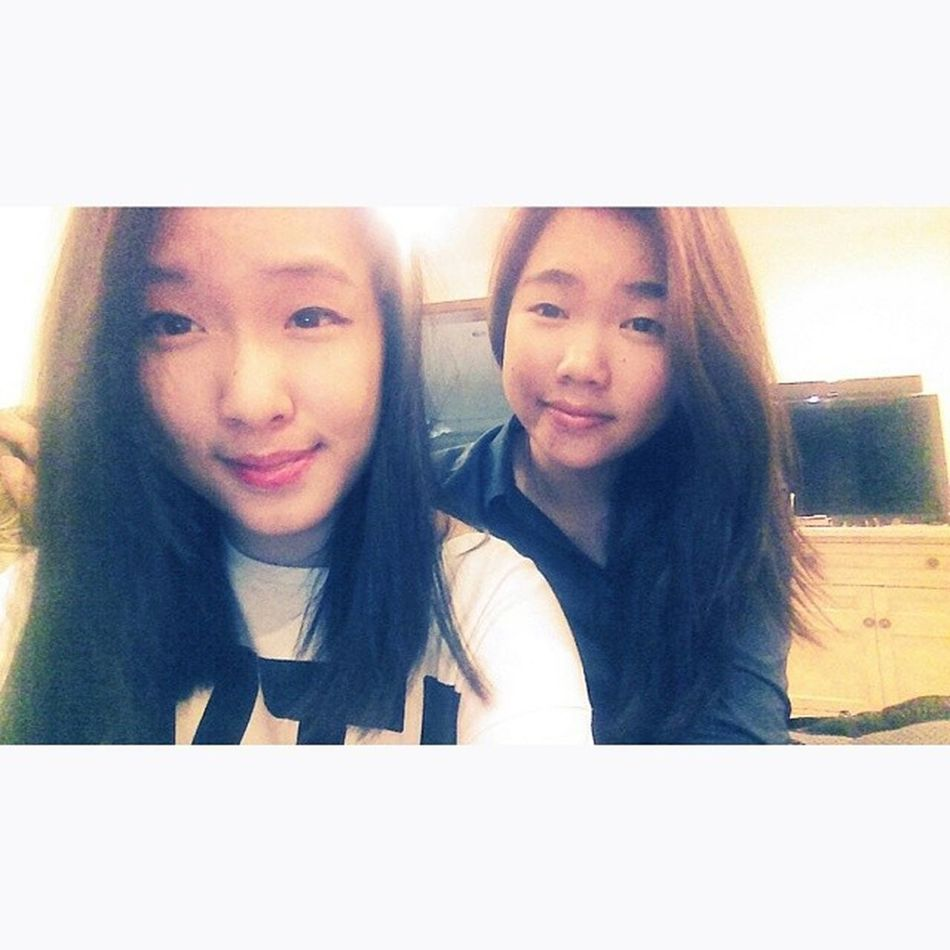 Had some serious catch up with this Bij. ? Both of us can never know how to smile. ? Bij Kidsnowadays Life Lazytohashtag