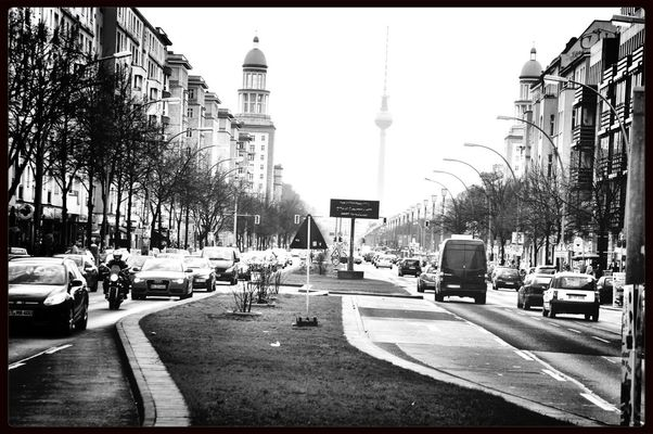 Rush Hour at Frankfurter Allee by Stephan
