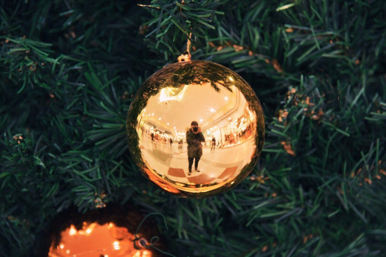 Beautiful stock photos of gold, Ball, Celebration, Christmas, Christmas Decoration