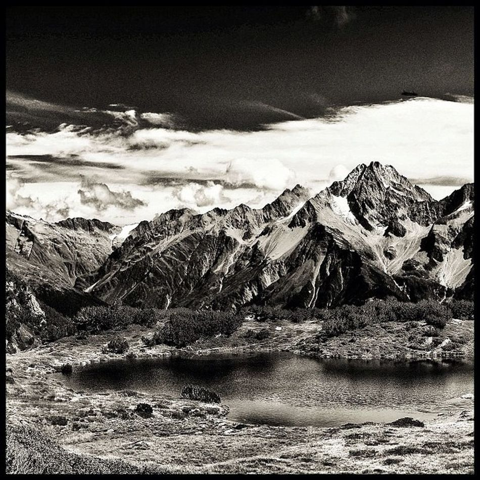 This is an old photo that I've posted here before. but this time processed with snapseed. horny program Swiss Landscape_lovers Lobomountains Jj_forum_0224 Clouds Mountains Blackandwhite Lake Bw