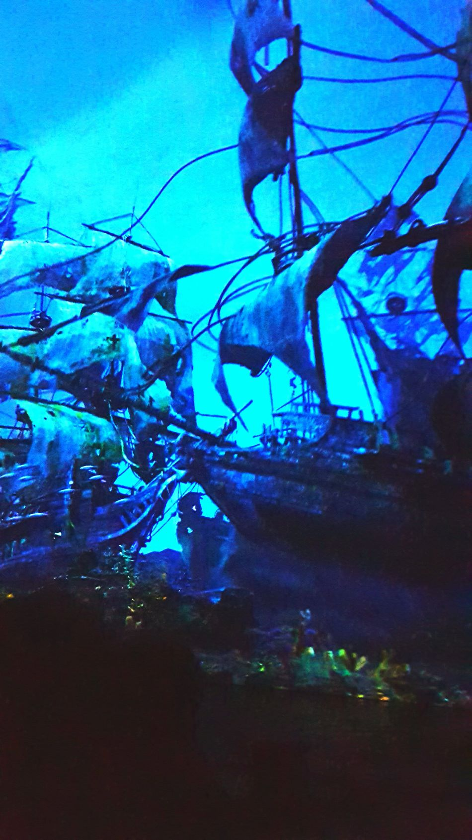 Underwater Low Angle View Sea UnderSea Night Water Outdoors People Nature Sky Only Men Sea Life Pirateship  Pirate Pirates Of The Caribbean Disneyland Disney Captain Jack Sparrow Pirate Ship Johnny Depp