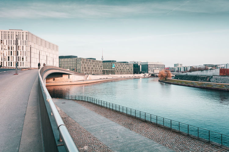 City Lines | Berlin, Germany 2016 Architecture Berlin Berlin Architecture Berlin City Berlin Lifestyle Berlin Mitte Berlin Photography Bridge City City Life Connection Day Diminishing Perspective Engineering Germany I Love Berlin Modern Modern Architecture Outdoors River Sky Spree River The Way Forward Travel Destinations Vanishing Point