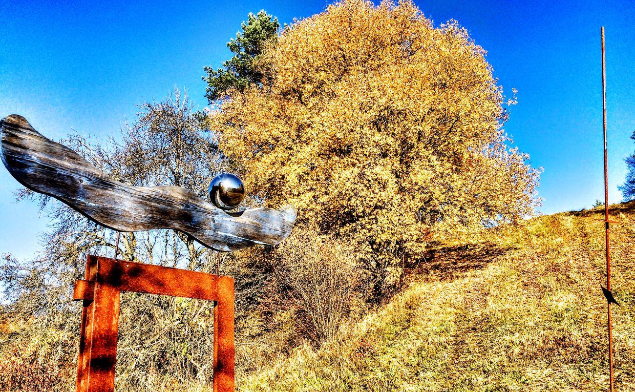 Kunst im Hirschbachtal. Autumn Colors Fränkischeschweiz Sculpture