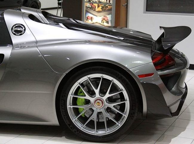 The $40k Magnesium Weissach wheels not only look amazing but are extremely light weight which help increase the overall performance of the Porsche 918 Spyder Weissach package. Porsche 918 Spyder Weissach Porsche918 Porsche918Spyder Hypercar Eastcoastexotics Cary Raleigh Durham Chapelhill Exotic Foreign Luxury Money Amazingcars247 Carswithoutlimits Carsofinstagram Blacklist Carlifestyle Carinstagram Motörhead Itswhitenoise