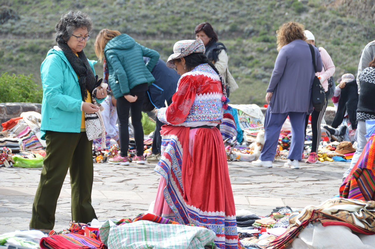 Candid Colca Canyon Colca  Peru Market Women Selling Traditional Dress Peruvian Clothes Peruvian Handicrafts Peruvian Culture Colors Colourful Colour EyeEmNewHere Traveling Travel