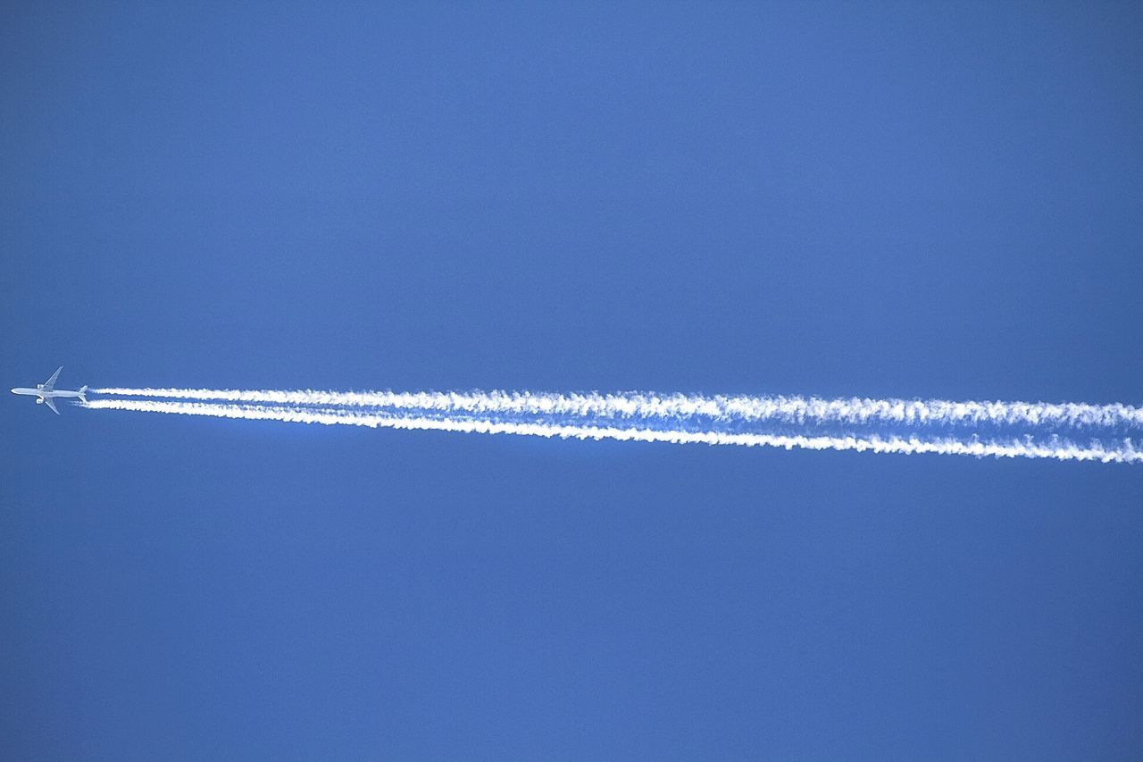Blue White Color Vapor Trail No People Airplane Crossthesky Blue Sky Travel Canon7d