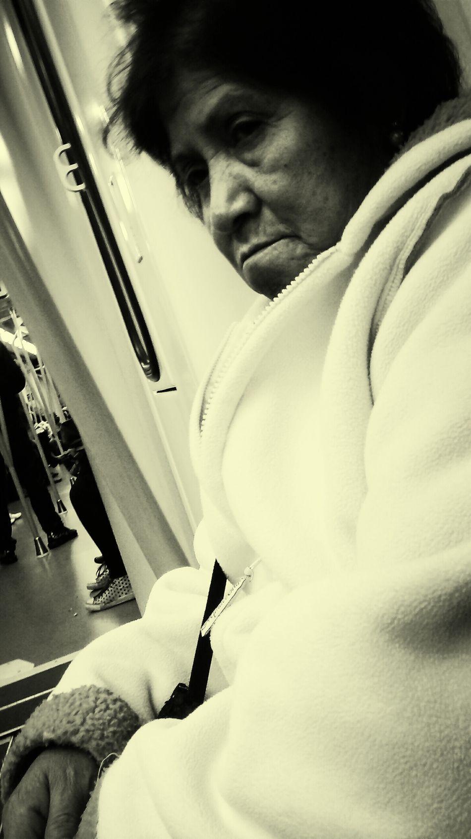 My thirteen-minute companera throughout el underground camino Women Subway Portraits Dem Fontana Spanglish