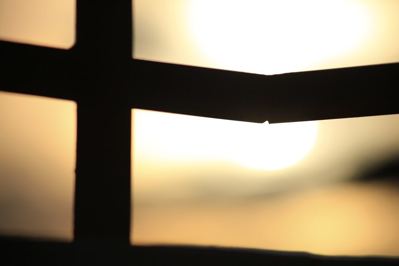 sunset, close-up, no people, sun, sky, focus on foreground, silhouette, indoors, nature, beauty in nature, day