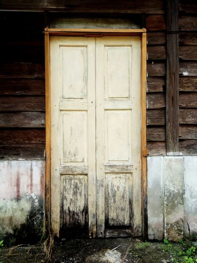 Door Wood - Material Building Exterior Outdoors Architecture Built Structure Doorway Day No People close-up Old Buildings Old House