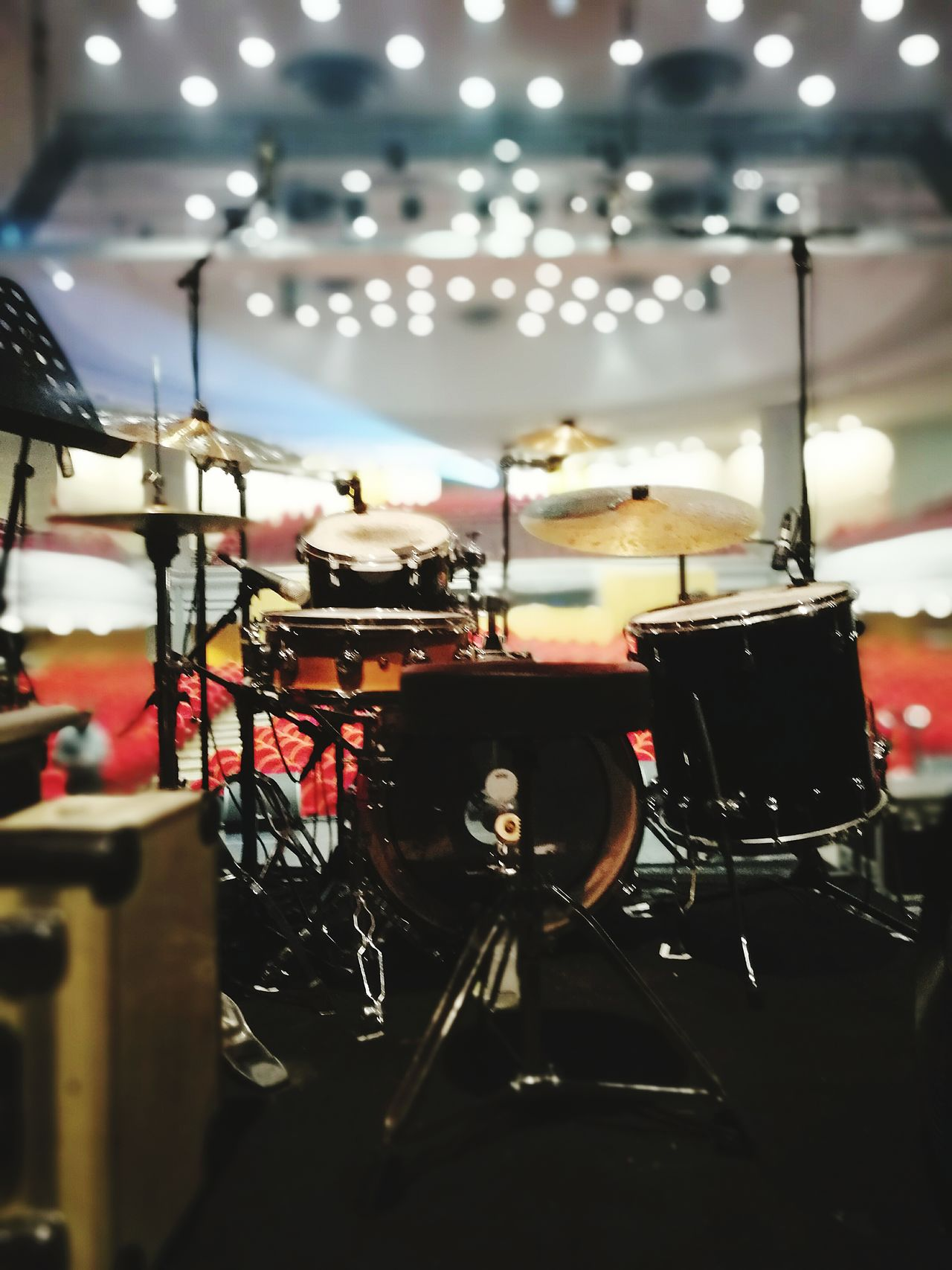Concert Drum Ambiance Musical Instrument Indoors  Stage - Performance Space No People Drum Kit Batterie Salle De Concert Stage Lighting Eyemphotography Entre Ombre Et Lumiere Silhouette Low Angle View Eyeme Photo