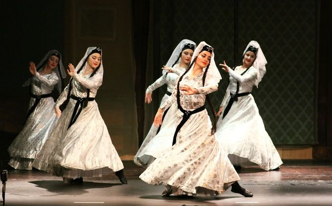 #dancing #georgiandance #nationaldance Georgianphotographers Lifestyles Moving Real People Slowshutter Slowshutterspeed Standing Young Women