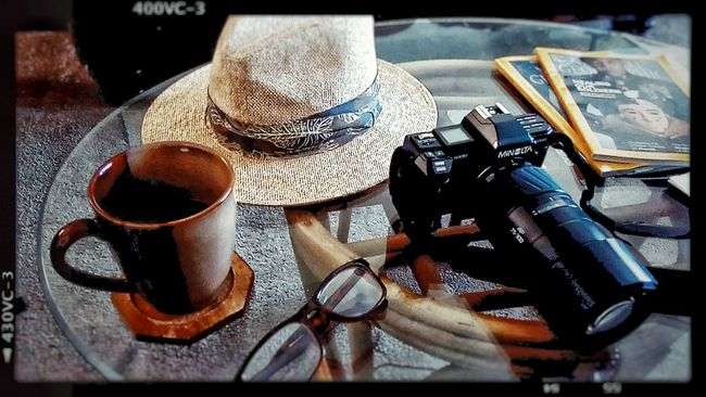 Good afternoon friends. Still drinking coffee since this morning. May you all have a very peaceful Tuesday afternoon and week ahead. Coffee ☕ Coffeelovers Minolta Maxxum Zoomlens Straw Hat Like A Boss Like Indiana Jones :-) Ready For Safari Interior Views, Showcase March Interior Still Around The House Coffeeaddict Have A Nice Week! Have A Nice Day♥ Interior Views Interior View Interior Detail