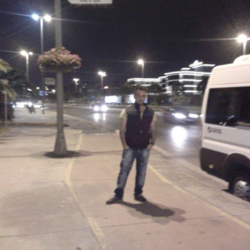 Istanbul Maltepe Sahil Gece Gece Hava Serin üşüyoruz Dayı
