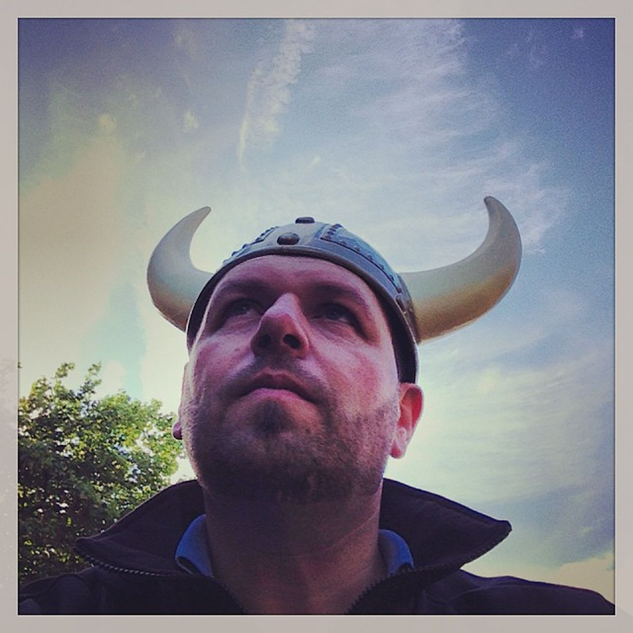 It's a Viking! o/ #tbex Hoomygumb Travelblog Me Travelblogger Lovedublin Tbex Sightseeing Vikingsplash Selfie Travel Dublin Instaprofile Helmet Myself Tour Reisen Selfpic Viking Jayfkay