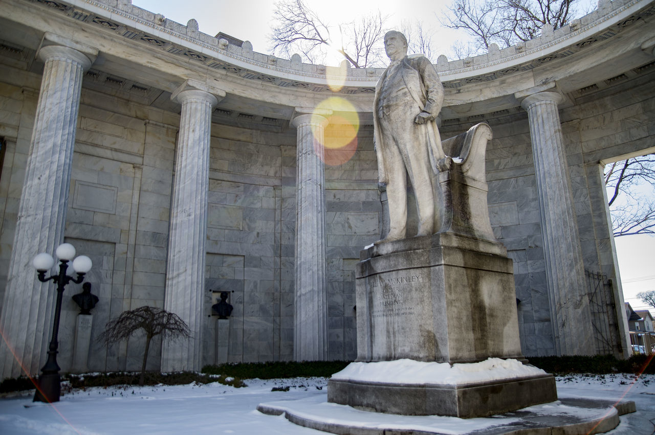 Statue Sculpture Outdoors Day Sky Sun Lens Flare President McKinley William McKinley NilesOhio Ohio Nikon D3200 Nikon D3200 Photosbyfako