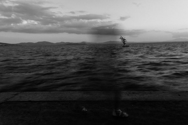 Capturing Motion light to day: wind, by Claudia Ioan Sky Water Nature Outdoors Beauty In Nature Lake Blur Blurred Motion EyeEm Gallery Streetphotography Street Photography Black And White Monochrome Photography People Umbria