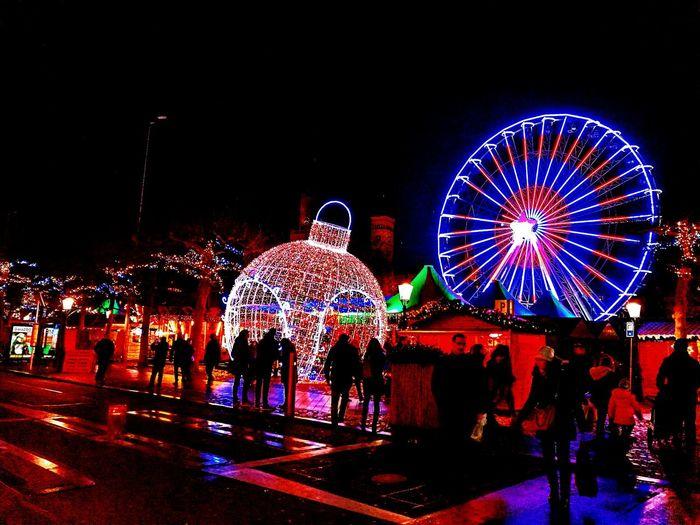 Magisch Maastricht Night Ferris Wheel Illuminated Christmas Nightlife Celebration Men People Amusement Park Ride Christmas Decoration Sky Outdoors First Eyeem Photo EyeEmNewHere