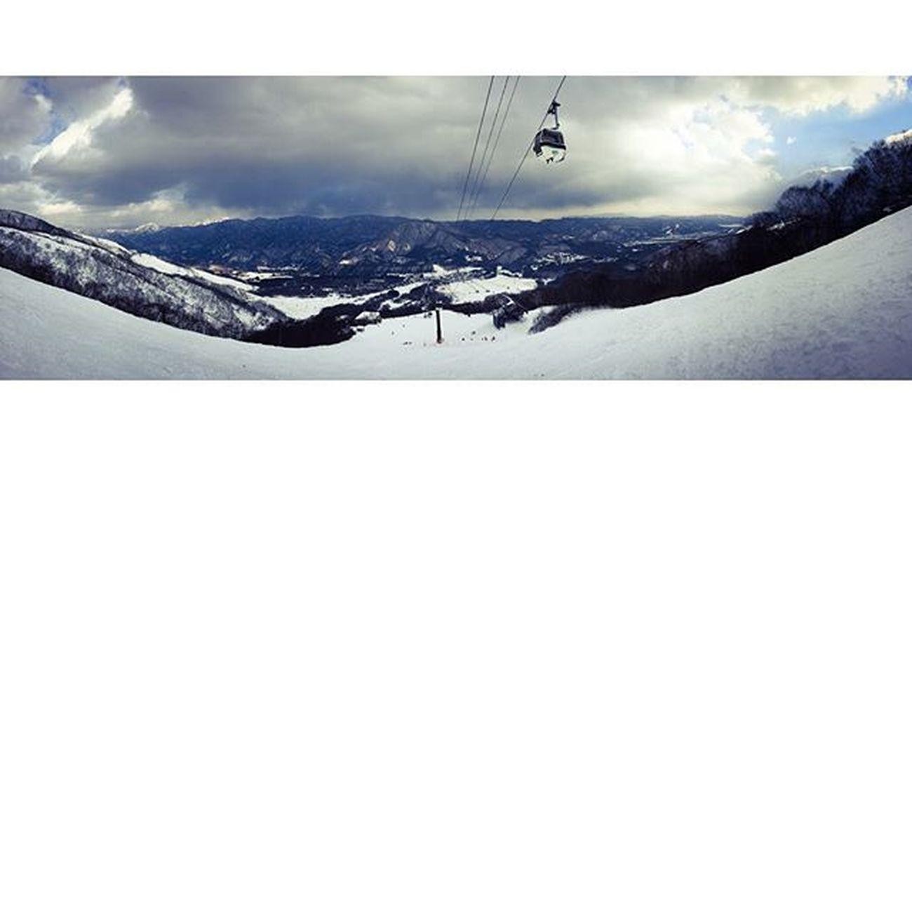 栂池高原スキー場 しらかば。Nagano Hakuba Tsugaike 白馬 栂池高原 そこに雪はあるか そこに雪はなかった ないってこともない少ないだけ