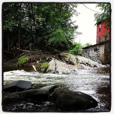 Old Red Mill Park or whatever you call it for our afternoon walk. Jericho Ignewengland Igvermont Waterfall river peaceful walk hike