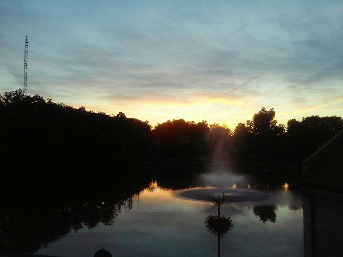 Widok Z Okna Jeziorko Fontanna Na Jeziorku Mazury Mrągowo Amazing Nature Picture