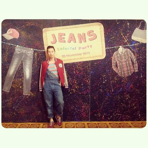 """""""Jeans Colorful Party"""" Staff New Year's Party. It's Very PRE-New Year & I'm in Jeans จัดเร็วมาก ใส่เอี๊ยม Accessoriesไม่มีเลย"""