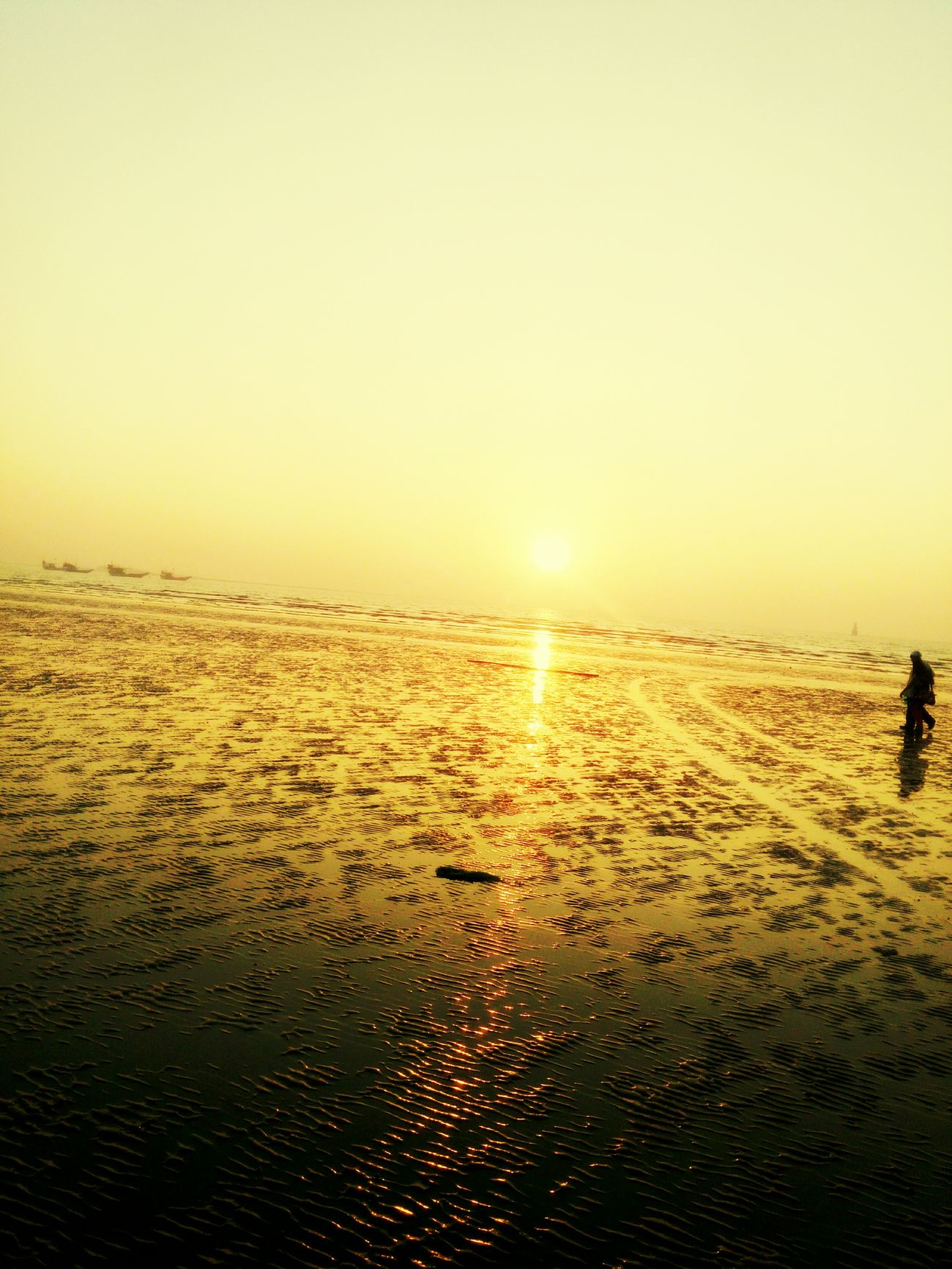 Sea can never be alone so are the beaches :) Sea And Sky Beachphotography Beach Beautiful Nature Sunset Sunshine Sunset_collection Goraibeach Gorai Arabian Sea Lonliness Romantic Landscape Romantic Place Likeforlike First Eyeem Photo
