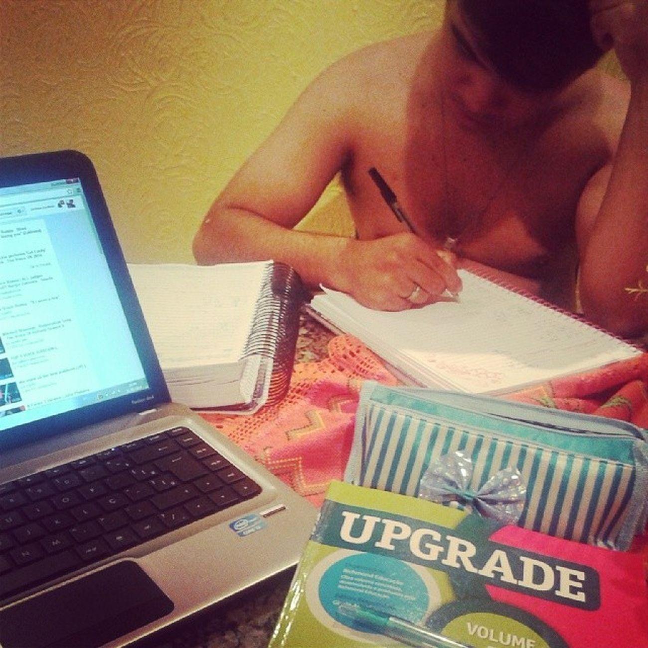 Eu e o mô estudando Futuro Depende De Nosso estudo