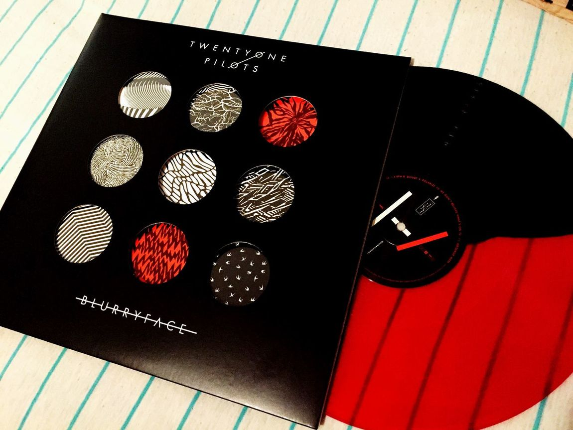 •||i\•*+| When they said it would ship in July, I sure as hell didn't expect the literal last day. ITS FINALLY HERE IM SO PUMPED. |+*•\i||• Twenty One PilotssVinyllColored VinyllBlurryfaceeMusiccLoveeTyler JosephhJosh DunnAlternativeeRockk