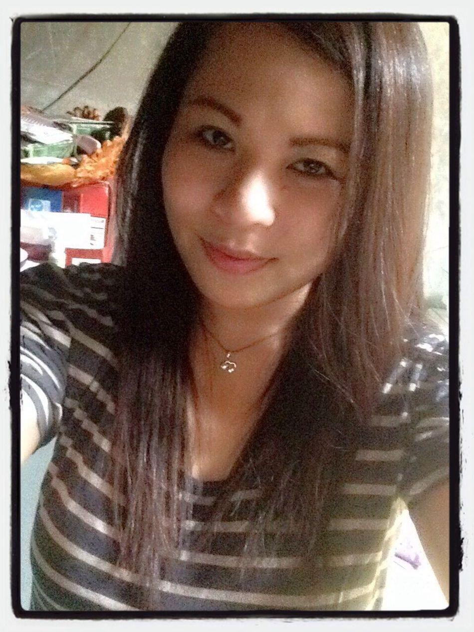 Loving my hairdo. New Shiny Riz Pretty Me ; ) Haha