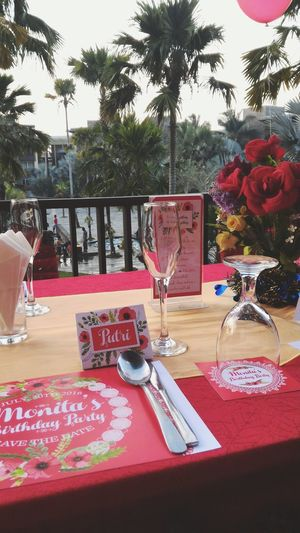 Relaxing Dinner Party Partyplanner Party Time Redparty Flower Birthday Party Birthday Taking Photos Partydecorations Partydecor Partydesign
