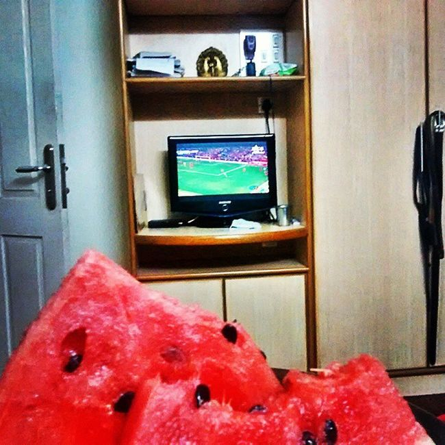 Barclays_premier_league Man_utd Liverpool Watermelon Not the usual pop corn and tv 😜