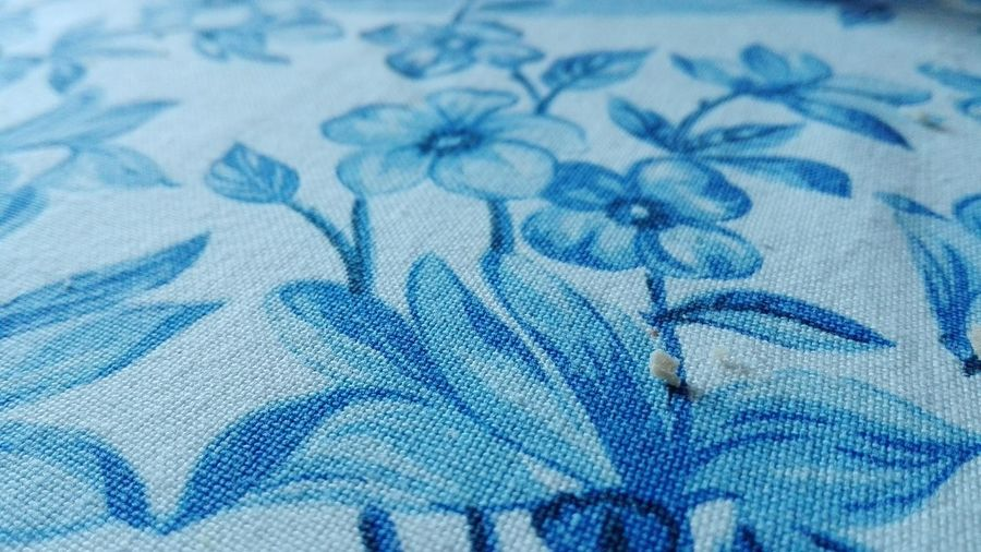 Fiori Cuciti Cucire Fiori Blu Fiore Blu Briciola Briciola Di Pane Pane CrumbsEVERYWHERE Crumbs After Breakfast Crumbs Crumbs From Your Table Blue Textile Wealth Close-up Finance Backgrounds Textured  Day Indoors  No People