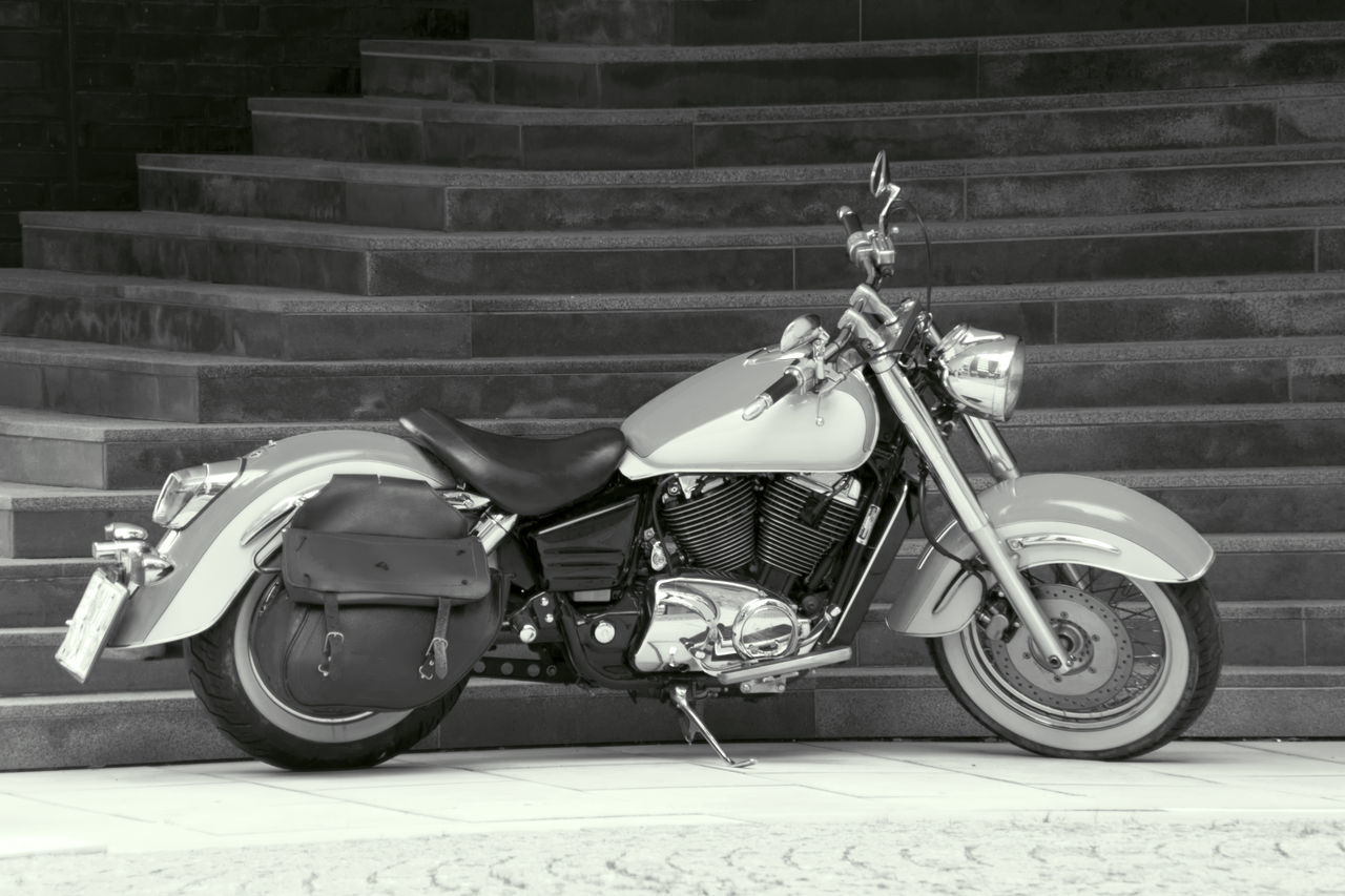 Vertu Bike Black & White Black And White Blackandwhite Bw Bw_collection Day Drive Harley Davidson Harleydavidson Mode Of Transport Motor-bike Motorbike Motorcycle Oldtimer Oldtimer♥ Outdoors Parked Parking Stairs Transport