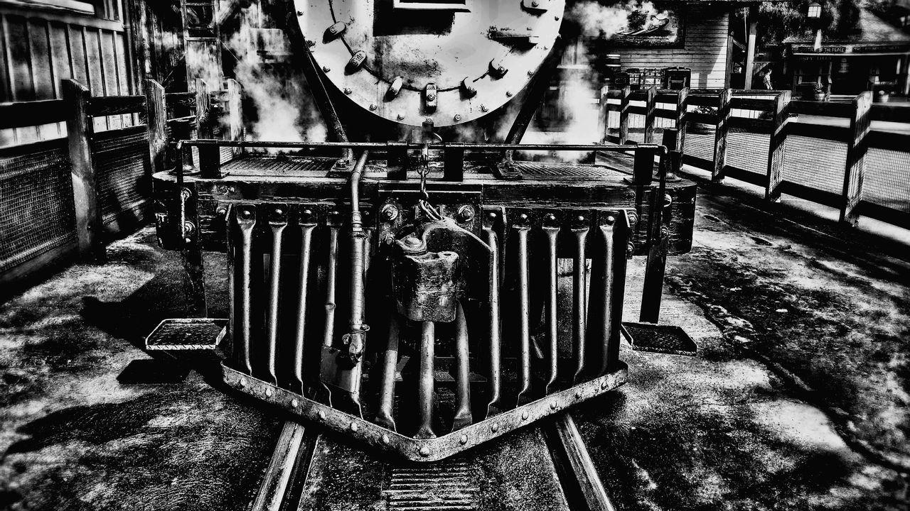 Showcase: January Lostplaces EyeEmBestPics Inspire Creative Picoftheday Eye4photography  Inspiration EyeEmbestshots Check This Out NEM Still Life Mood Motivate  Pictureoftheday Train Tracks Blackandwhitephotography Texture Blackandwhite Photography Blackandwhite Steampunk Hiddeninplainsight Eyeemfun Hello World Train Engine