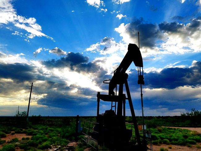 Taking Photos Check This Out Hello World Enjoying Life Hi! Samsung Galaxy S7 Edge Showcase July No People From My Point Of View Beauty In Ordinary Things Beautiful Nature Drive Home Check This Out God's Beauty Clouds And Sky New Mexico, USA Oil Field Colorsplash Hobbs, NM Oil And Gas Heavy Edits