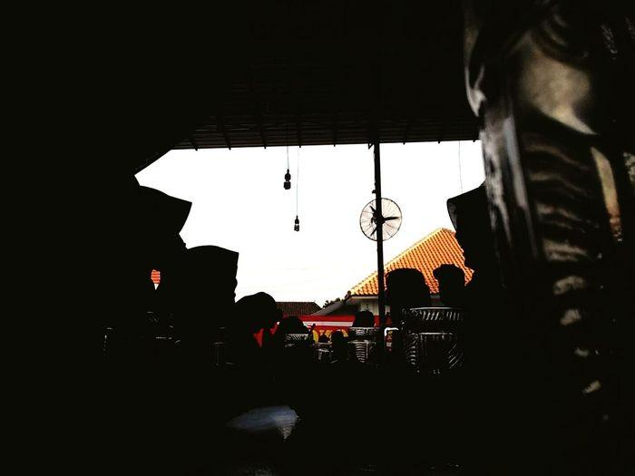 TheWeekOnEyeEM Enjoying Life Hanging Out EyeEm GalleryEyeEmBestPics Eyeem Photo Silhouettes Collection Silhouettes Quality Time Friends Time Friends Xiaomi Redmi 1s Photo Xiaomi Redmi 1s Xiaomiindonesia Xiaomiphotographyindonesia