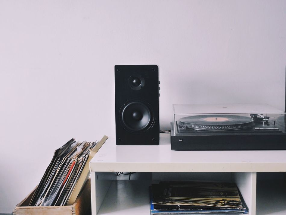 Music Old-fashioned No People Arts Culture And Entertainment Technology Indoors  Sound Recording Equipment White Background Day Turn Table Vinyl Vinyl Records Vinyl Player Deceptively Simple Lifestyles