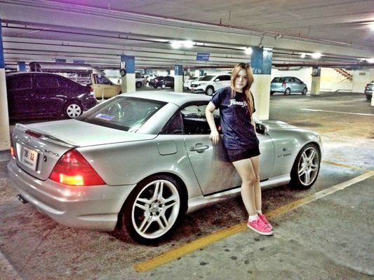 SLK in Bangkok by ⓑⓔⓔⓑⓘⓘⓔ