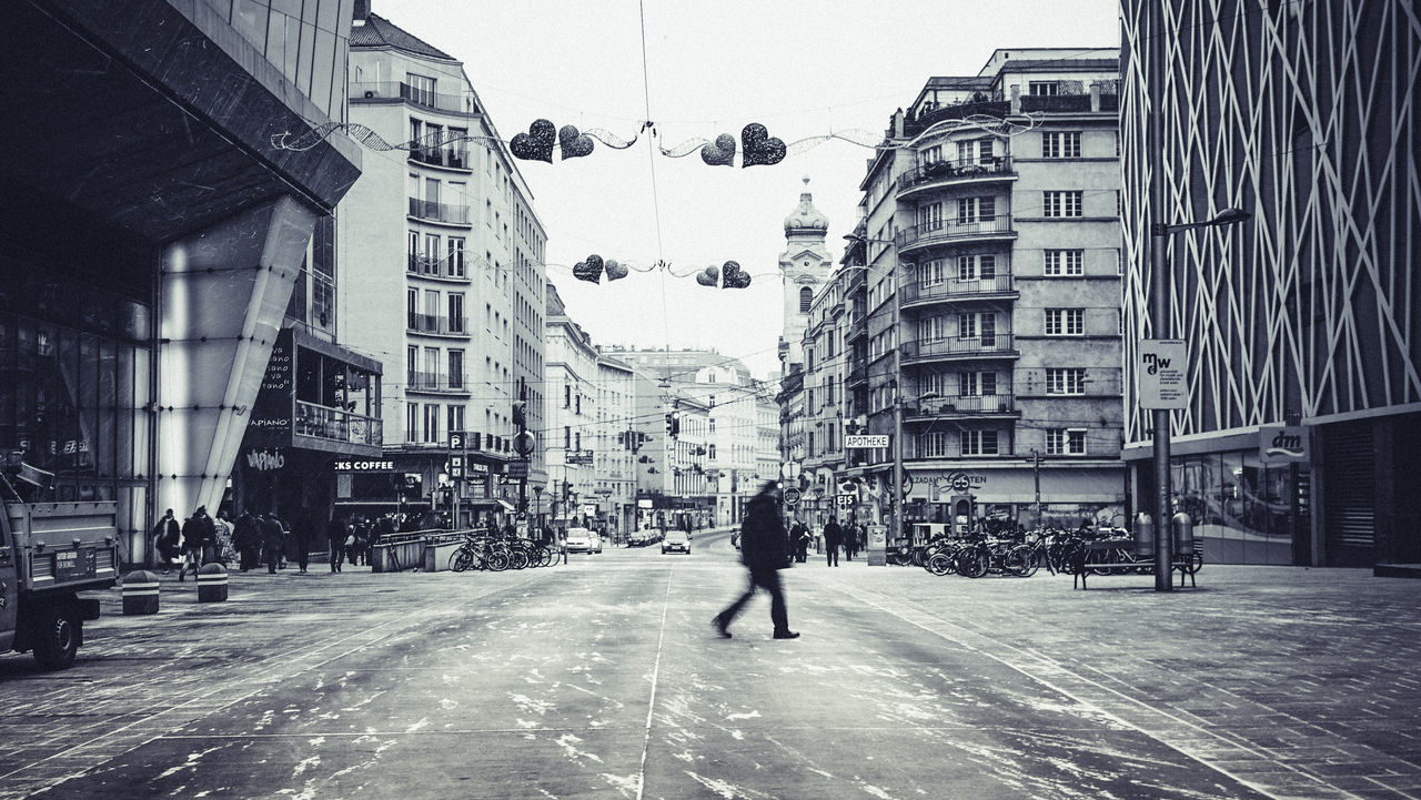 -6℃ -6℃ Chillyweather  Cold Days It's Cold Outside Leading Streets Of Vienna Vienna Wien Wind And Snow Winter Wintertime