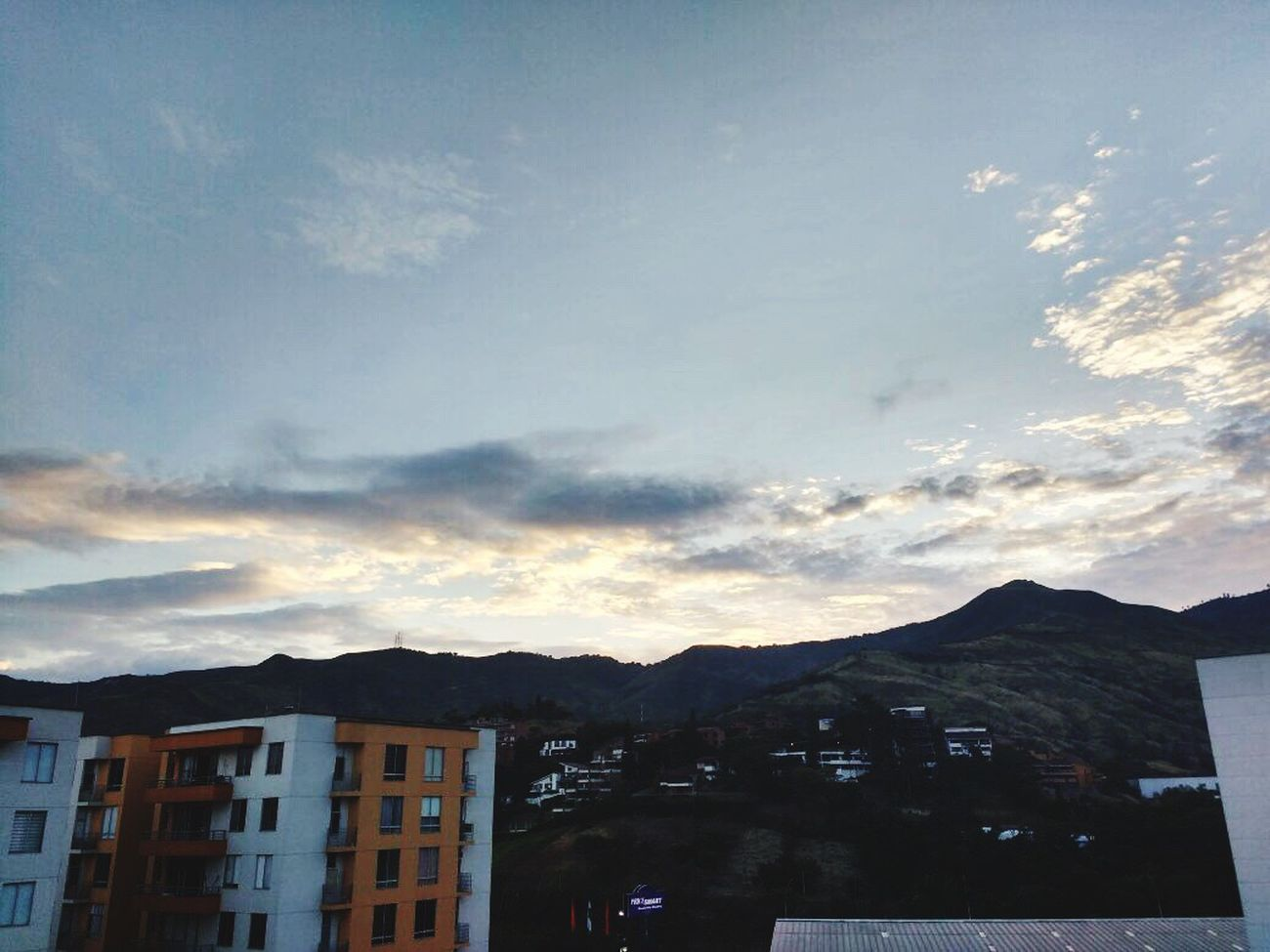 Picture credit: Santiago Guzman Rico Colombiansky CALI COLOMBIA Dawn Of A New Day PhonePhotography Relaxing View Colombia ♥
