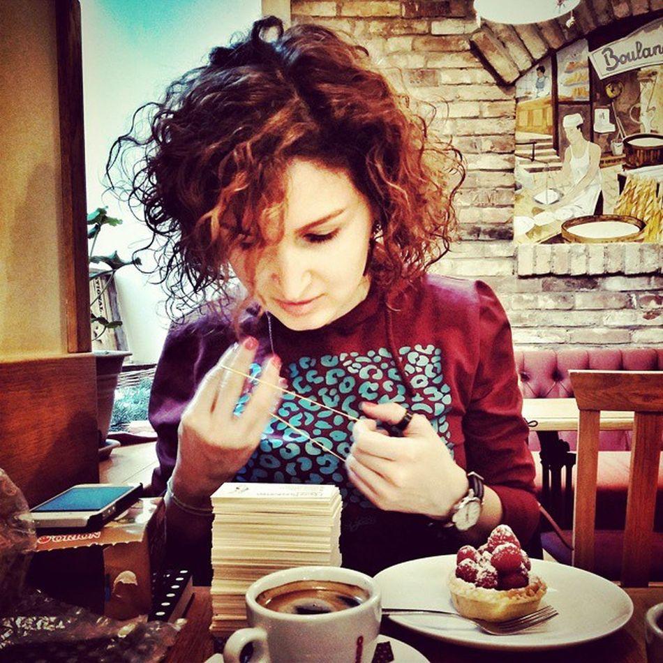 У @flexiwood клиенты не только довольные, но и красивые😉 Flexiwood Picspocs Picspocsofficial Businesscards Raspberry Coffee Boulangerie