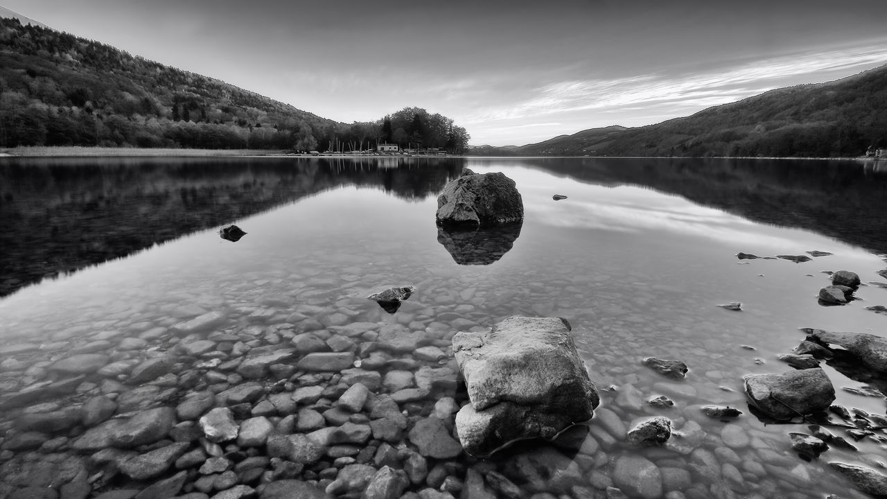 Ricochet Lac Laffrey ND1000 Alps Beauty In Nature Blackandwhite Bw Contrast Exposure Exterior Forest France Lake Lake Laffrey Landscape Light Mountain Nature Neutral Density Filter Outdoors Reflection Reflection Rhonealpes Rock Sky Time Tranquil Scene Water