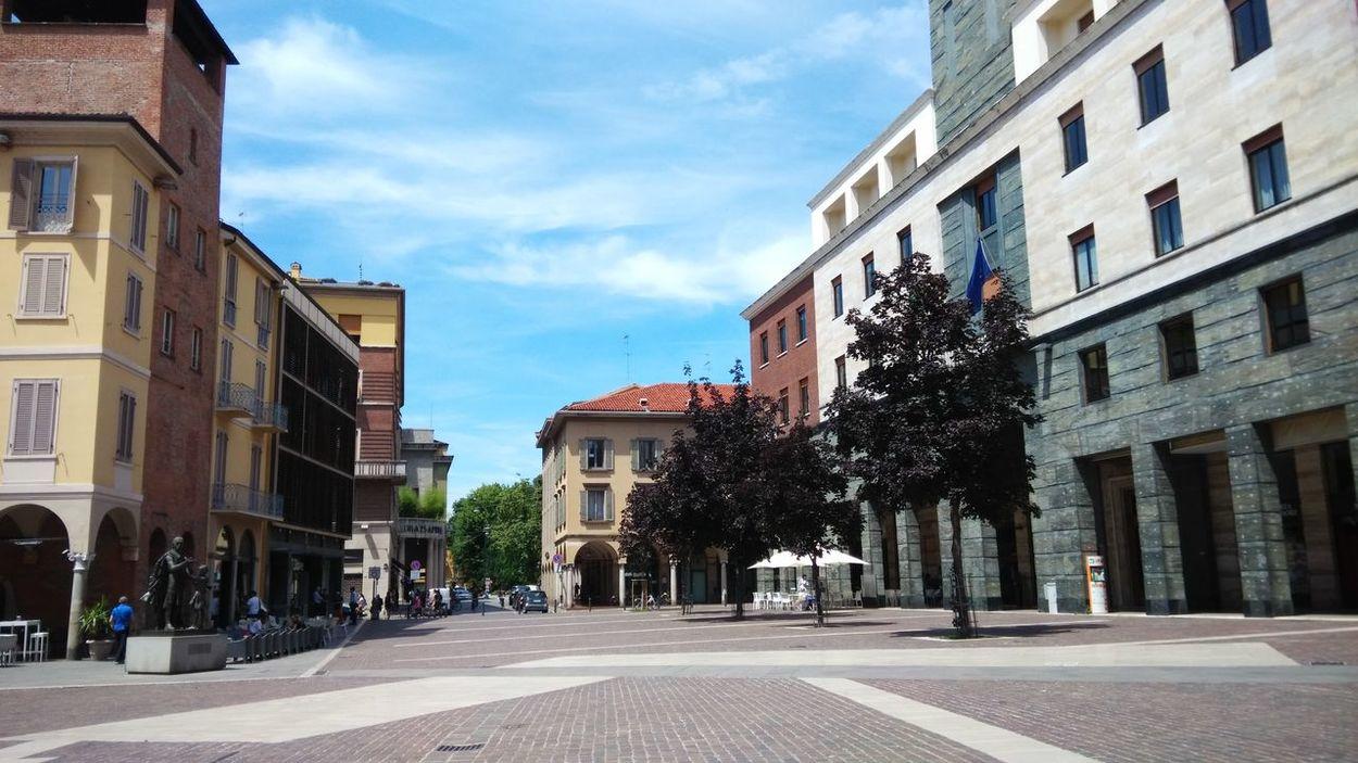 Cremona Square Centre