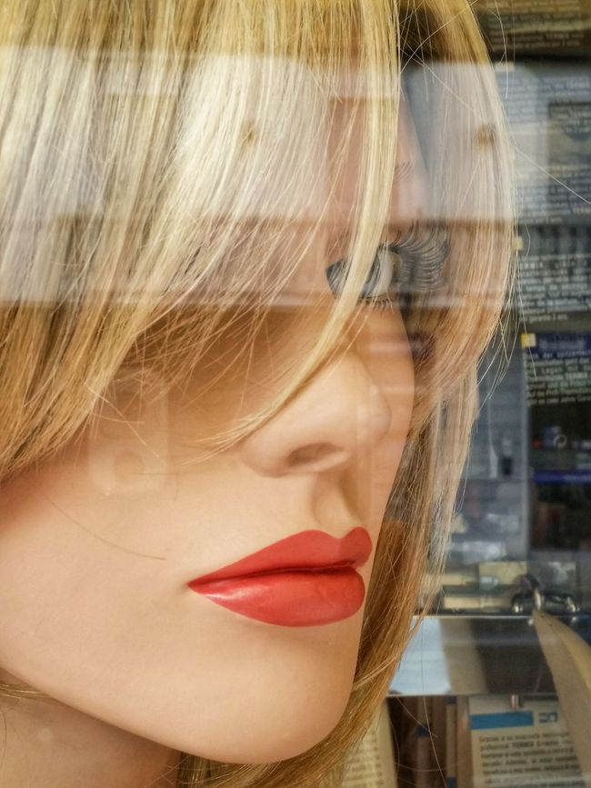 Treviso Veneto Italy Travel Photography Travel Voyage Traveling Mobile Photography Fine Art Portrait Mannequins Shop Windows Reflections And Shadows Expressive Fashion Trendy Urban Lifestyle Blonde Girl Contemporary Mobile Editing