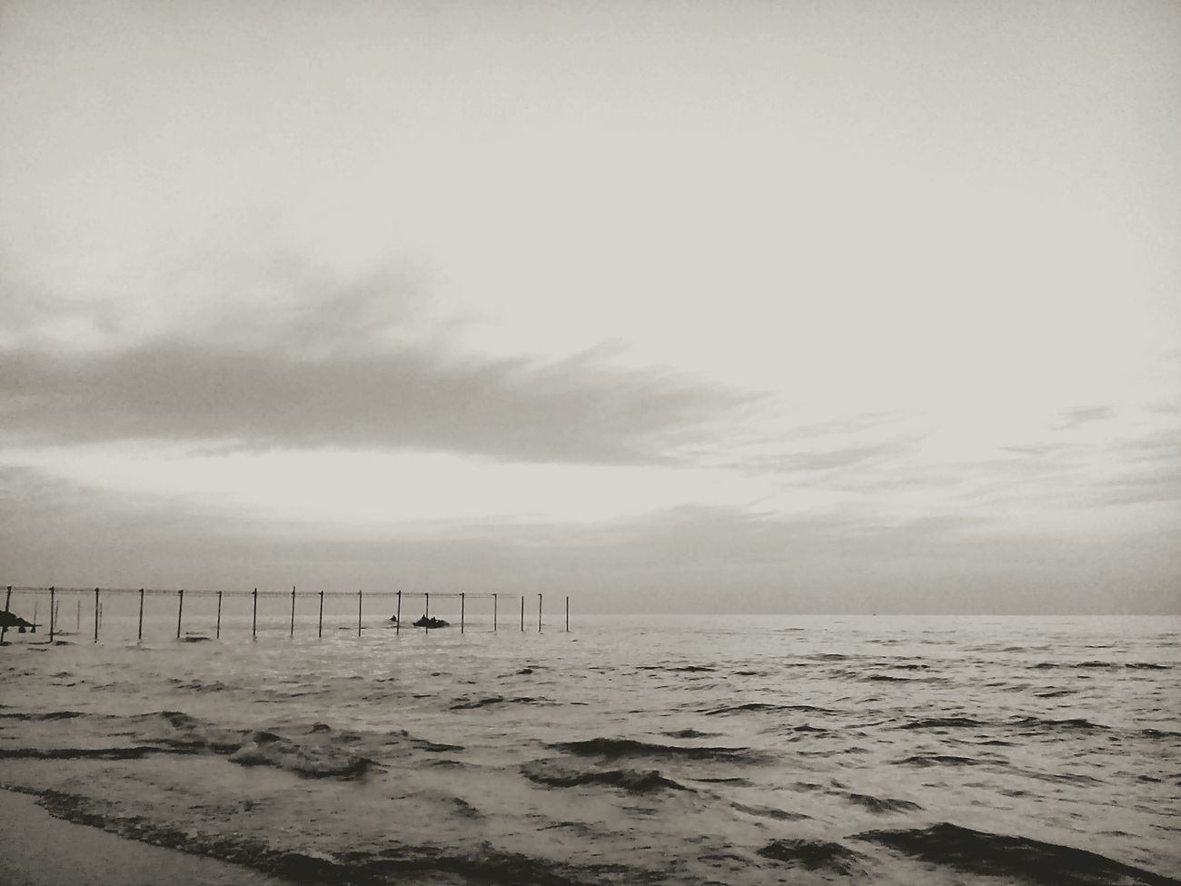 I love Sea And Sky Art Taking Photos Iran Relaxing Hello World Sea View Enjoying Life First Eyeem Photo Eyeemphoto Old Phone Photo Black And White Kianush Black & White Eye4photography  Natural EyeEm Best Shots Skyporn Sky Cellphone Photography Minimalism Photographic Memory