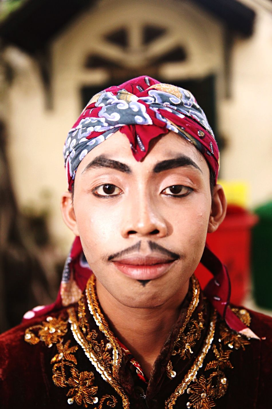 """The Cirebon people referring to themselves as """"wong Jawa"""" and to their language as """"basa Jawa"""" (""""Javanese""""). The language spoken by the Cirebonese is a mixture of Javanese and Sundanese language, with a heavier influence from Javanese. Generally Cirebonese can be considered as an Independent language outside Javanese and Sundanese. Photojournalism Wonderful Indonesia Enjoying Life Pesonaindonesia Pesona Indonesia EyeEm Indonesia Tourism Cirebon Culture Cirebon  Nusantara Culture Indonesia_photography"""