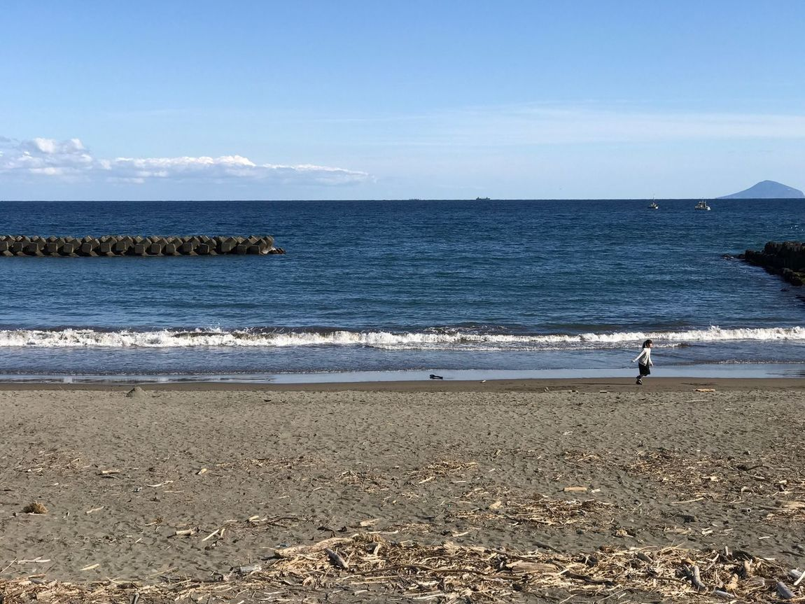 Sea Water Beach Horizon Over Water Nature Real People Beauty In Nature Lifestyles Outdoors One Person Iphonephotography IPhoneography EyeEm Japan Discover Japan IPhone7Plus No Edit/no Filter Just Photography
